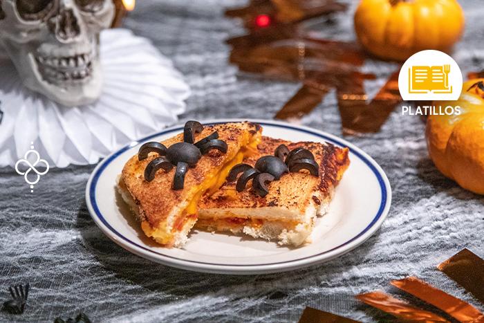 Halloween: Sándwich con arañas