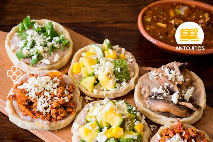 Tradicionales sopes mexicanos